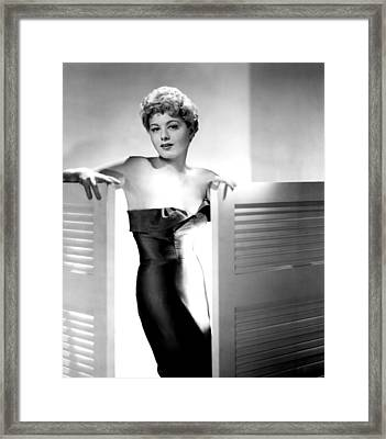 He Ran All The Way, Shelley Winters Framed Print by Everett