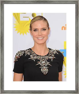 Heidi Klum At Arrivals For Nickelodeons Framed Print by Everett