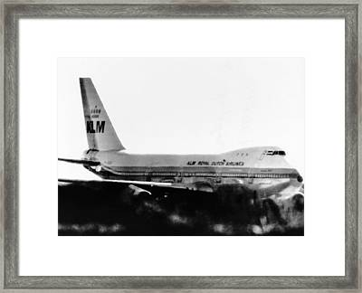 Hijacked Dutch Airliner In Tripoli Framed Print by Everett
