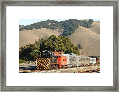 Historic Niles Trains In California . Old Southern Pacific Locomotive And Sante Fe Caboose . 7d10818 Framed Print