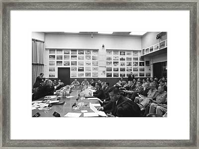 Honolulu Conference On The Vietnam War Framed Print by Everett