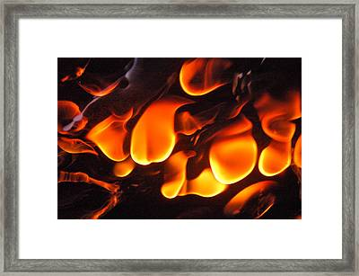 Hot Kiss Framed Print by Ben Dye