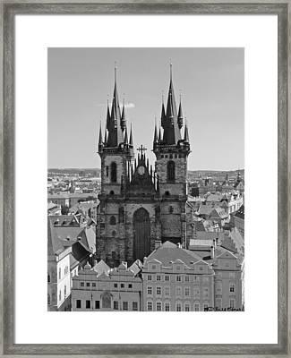 Iglesia De Tyn Framed Print by Luis oscar Sanchez