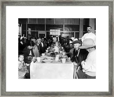 Immigrants Who Are Awaiting Approval Framed Print by Everett