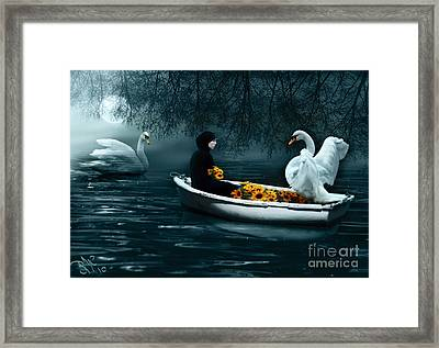 In Santa Pace Maiden Framed Print