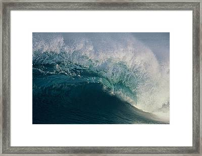 Intricacy In A Wave's Lip Framed Print