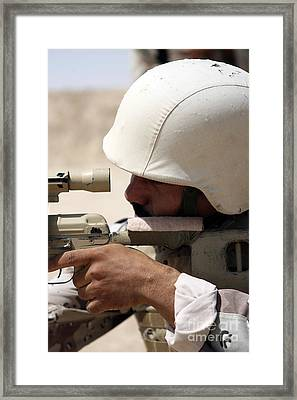 Iraqi Army Sergeant Sights Framed Print by Stocktrek Images