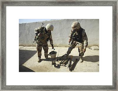 Iraqi Army Soldiers Find A Weapons Framed Print