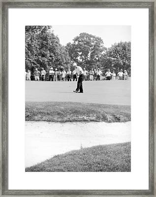 Jack Nicklaus Drops Putt At 1964 Us Open At Congressional Country Club Framed Print by Jan W Faul