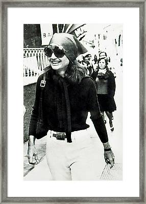 Jacqueline Kennedy Onassis, Sightseeing Framed Print by Everett