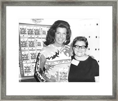 Jacqueline Susann And Fan Anne Udin Framed Print by Everett