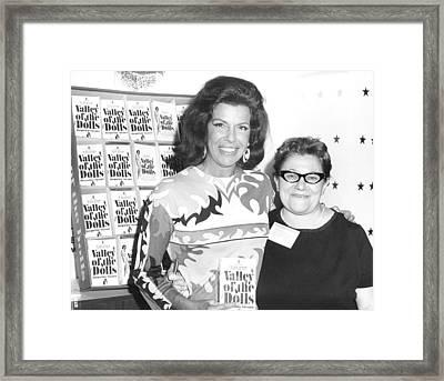 Jacqueline Susann And Fan Anne Udin Framed Print by Everett