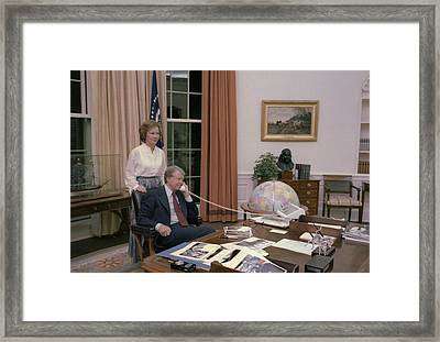 Jimmy Carter And Rosalynn Carter Framed Print by Everett