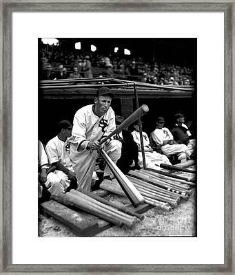 Joe Chamberlain - Chicago White Sox Framed Print by David Bearden