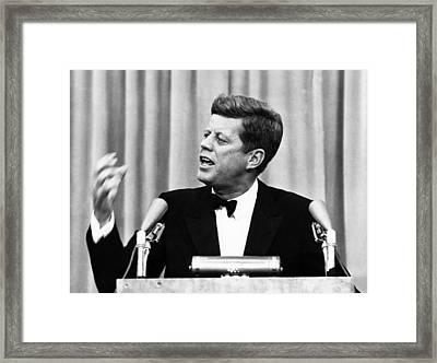 John F. Kennedy, Telling An Audience Framed Print by Everett