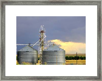 Framed Print featuring the photograph Kansas Farm by Jeanette C Landstrom