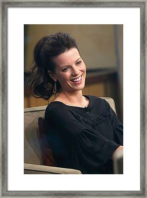 Kate Beckinsale At Talk Show Appearance Framed Print by Everett