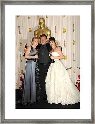 Kate Winslet, Winner Best Actress Framed Print by Everett