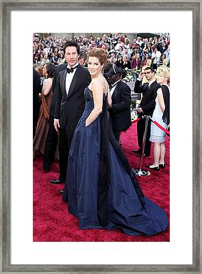 Keanu Reeves, Sandra Bullock Wearing An Framed Print