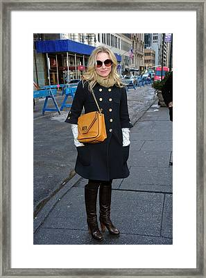 Kristen Bell Out And About For Sun Framed Print