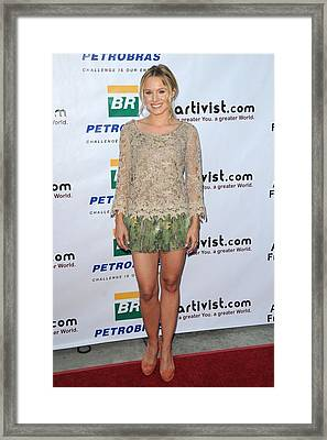 Kristen Bell Wearing An Alberta Framed Print by Everett