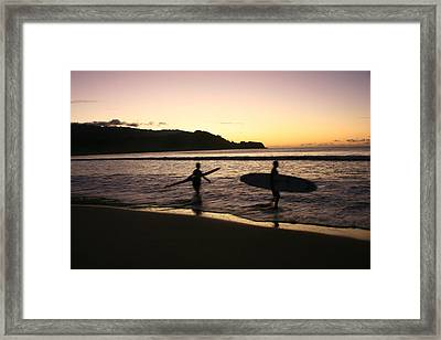 Last Wave Of The Day Framed Print