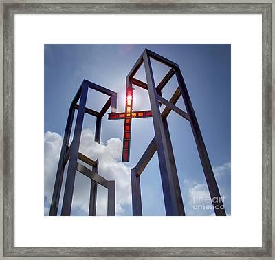 Lest We Forget Framed Print by Lee Dos Santos
