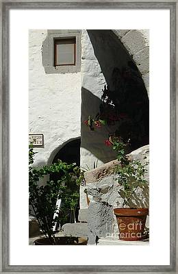Light At The Museum Framed Print by Therese Alcorn