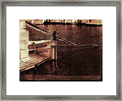 Framed Print featuring the photograph Lil Kiss by Pedro Cardona