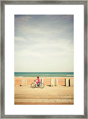 Looking At The Horizon Framed Print by Inhar Mutiozabal
