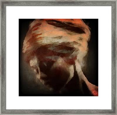 Looking Inwards Framed Print by Gun Legler
