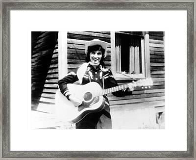 Loretta Lynn, Circa 1960 Framed Print by Everett