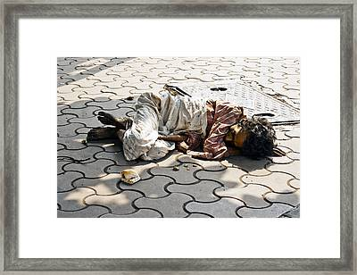 Lunch On Bombay Streets Framed Print by Kantilal Patel