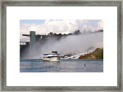 Maid Of The Mist At Niagara Falls Framed Print by Mark J Seefeldt