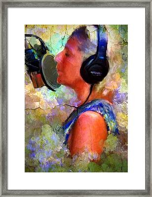Making Music Framed Print by Robert Smith