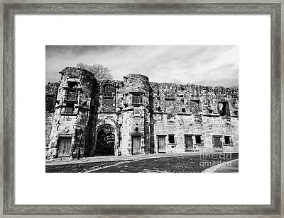 Mar's Wark In The Historic Old Town Of Stirling Scotland Uk Framed Print by Joe Fox