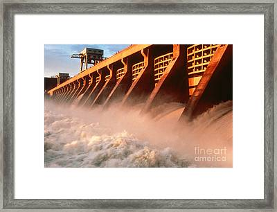 Mcnary Dam Framed Print by DOE/Science Source