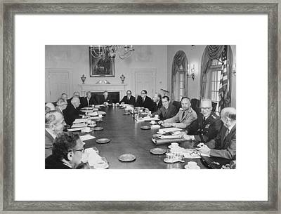 Meeting Of The President Nixons Framed Print by Everett