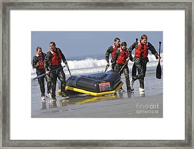 Members Of The Us National Swim Team Framed Print by Stocktrek Images