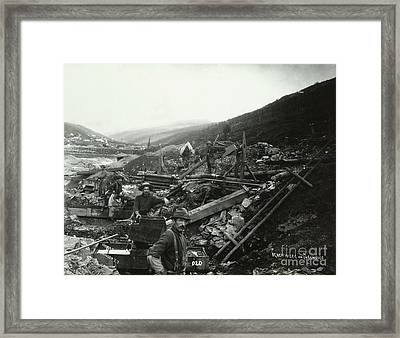 Mining For Gold Framed Print by Photo Researchers
