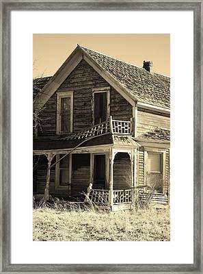 Montana Last Breath Framed Print by William Kelvie