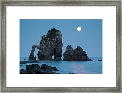 Moonset In Gaztelugache Framed Print by Pere Soler