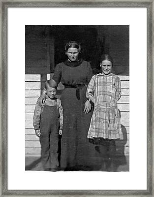 My Dad And Aunt And Grandmother Framed Print by Ralph Brannan
