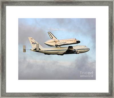 Framed Print featuring the photograph Nasa's Old Reliable - N905na by Alex Esguerra