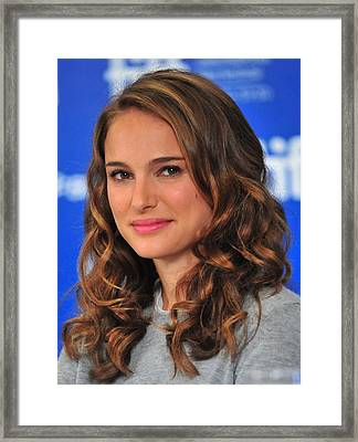 Natalie Portman At The Press Conference Framed Print by Everett