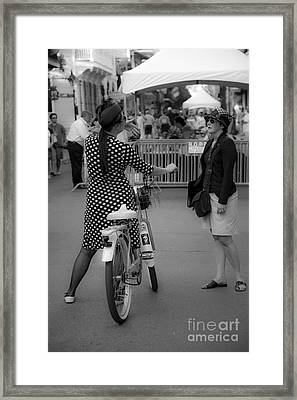 New Orleans Ladies  Framed Print by Leslie Leda