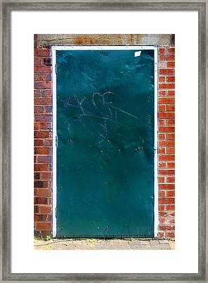 No Handles? Framed Print by Roberto Alamino