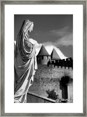 Notre Dame Carcassonne Framed Print by Robert Lacy