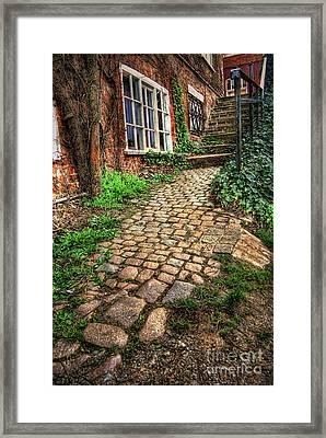 Nottingham Bridge Footpath Framed Print by Yhun Suarez