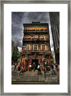Number 52 Victoria Street Framed Print by Yhun Suarez